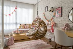 20 tips will help you improve the environment in your bedroom Quero esse quarto! I want this bedroom! Cute Bedroom Decor, Baby Decor, Bedroom Ideas, Teen Bedroom Designs, Girls Bedroom, Bedrooms, Small Space Interior Design, Interior Design Living Room, Colorful Playroom