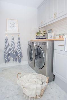Trendy Home Design Vintage Laundry Rooms Laundry Room Tile, White Laundry Rooms, Laundry Room Layouts, Basement Laundry, Farmhouse Laundry Room, Room Tiles, Laundry Room Organization, Small Laundry, Laundry Room Design