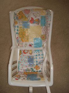 Les sièges de bébés de l'époque! On est loin des coquilles toutes capitonnées d'aujourd'hui et pourtant, on n'est pas morts personne... ;)