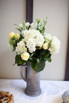 Yellow and white reception flowers