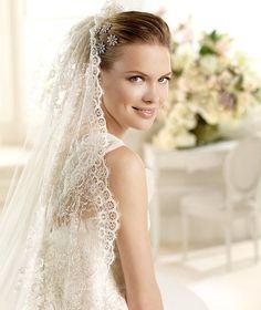 MILETO » Wedding Dresses » 2013 Glamour Collection » La Sposa (close up)