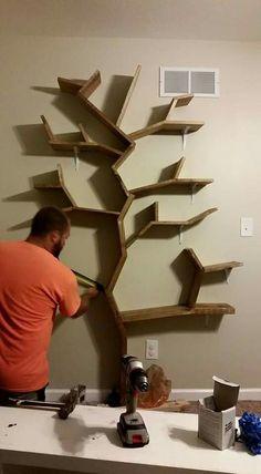 Tree Bookshelf, Tree Shelf, Bookshelves, Bookcase, Bookshelf Ideas, Country Baby Rooms, Room Partition Designs, Wood Pallet Furniture, Wall Shelves Design