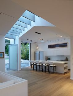 GRIFFIN ENRIGHT ARCHITECTS: Santa Monica Canyon Residence - modern - kitchen - los angeles - Griffin Enright Architects