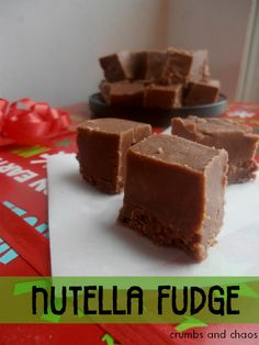 Nutella Fudge | www.crumbsandchaos.net | #nutella #fudge #Christmastreats