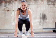 Les burpees font partie des mouvements les plus complets pour brûler les graisses : ils mêlent à la fois la position de la planche, les pompes et un saut, et il sont excellents pour tonifier l'ensemble du corps. Comment réaliser des burpees ?