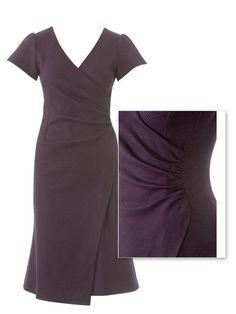 burda style, Schnittmuster - Kleid mit Wickeleffekt 107 aus 9-2013: Das obere Voderteil ist seitlich in der Naht gerafft