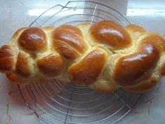 kalács négyes fonással Sweet Recipes, Food And Drink, Bread, Drinks, Drinking, Beverages, Brot, Drink, Baking