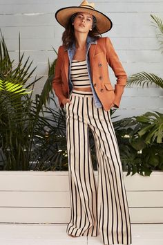 Love the short jacket and wide leg pant combo! Veronica Beard Spring 2018 RTW