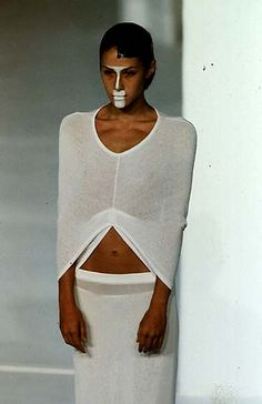 Hussein Chalayan - Spring/Summer 1998  Repinned by www.fashion.net
