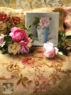 Photo © Hélène Flont‿ ◕✿: Marie -Antoinette & la rose Petit Trianon