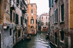 Wallpaper A Trip To Venice, Italy, Vacations, Architecture Santa Lucia, Pictures Of Venice, Architecture Wallpaper, Going Solo, City Wallpaper, High Rise Building, Old Buildings, Italy Vacation, Travel Alone