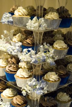Simple silver and blue wedding cupcakes by www.thepipingbag.co.uk