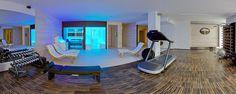 The wellness area at Hotel Mediterraneo in Jesolo. Sauna, Steam Bath, Shower, Ice fountain and watergames by Carmenta.