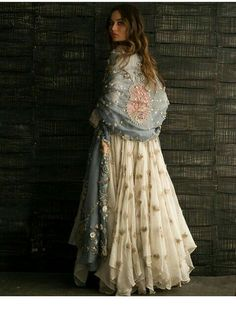 Fantastic boho dresses are readily available on our website. Take a look and you wont be sorry you did. Pakistani Dresses, Indian Dresses, Indian Outfits, Indian Fashion, Boho Fashion, Fashion Dresses, Classy Fashion, Dresses Dresses, London Fashion