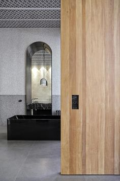 Block722 Architects - Patiris Tiles Store 1