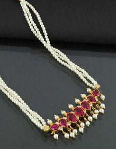 Tikda Set Pearl Necklace Designs, Pearl Choker Necklace, Pearl Jewelry, Indian Jewelry, Jewelry Art, Wedding Jewelry, Gemstone Jewelry, Silver Jewelry, Fashion Jewelry