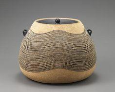 recipiente de barro para agua fria autor Hiroshi Miyaji