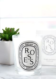 A beautiful smelling Diptyque roses candle is the perfect little gift. Diptyque Candles, Scented Candles, Homemade Candles, Bracelet Hermès, Baies Roses, Rose Candle, Perfume, Luxury Candles, Home Scents