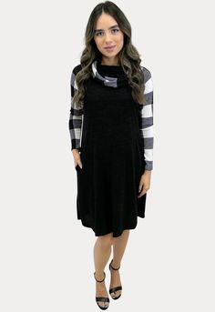 Time to shop and find the perfect Christmas maternity outfits! This black and white sweater maternity dress with buffalo plaid detail is the perfect way to dress your bump through the holidays! #SexyMamaMaternity #ShopSexyMama #bumpstyle #maternitydresses Maternity Sweater Dress, Winter Maternity Outfits, Maternity Gowns, Christmas Maternity, Sexy Dresses, Cute Dresses, Dresses For Work, Pregnancy Months, Pregnancy Dress