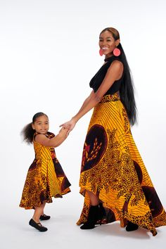 African Outfits, African Dresses For Women, African Fashion Traditional, Mother Daughter Fashion, Ghanaian Fashion, Squad Goals, African Style, Winwin, 4th Birthday