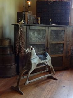 LOVE the pie safe and the primitive rocking horse in front. Primitive Homes, Primitive Antiques, Country Primitive, Primitive Decor, Primitive Bedroom, Antique Decor, Antique Toys, Vintage Antiques, Antique Rocking Horse