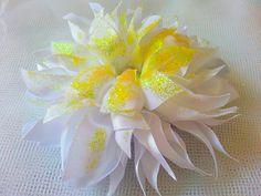 Stoffbroschen - Schöne Satinblume zum aufkleben oder aufnähen - ein Designerstück von Diamant-Shop bei DaWanda
