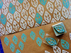 adventures in hand-printing. love the stamp Diy Stamps, Handmade Stamps, Stamp Printing, Printing On Fabric, Screen Printing, Hand Printed Fabric, Printing Press, Stamp Carving, Fabric Stamping