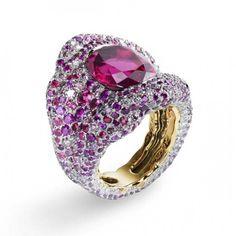 Vagabonde drapée rosée ring by Fabergé