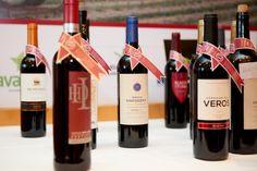 O restaurante do El Corte Inglés recebeu o XVI Encontro de Vinhos Extremadura-Alentejo. Trata-se de um concurso de vinhos no qual participam produtores de duas regiões fronteiriças de Portugal e Espanha, com grande tradição vitivinícola. Vários vinhos do Alentejo e da Extremadura foram seleccionados por enólogos de ambos os países e distinguidos com os prémios Arabel. #revistadevinhos