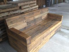 wood pallet furniture | Stained Pallet Sofa | Reclaimed Wood Furniture from Pallets