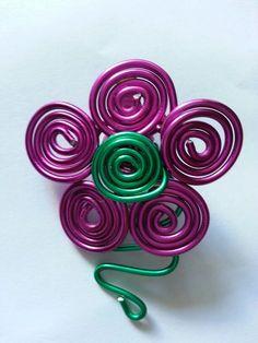 Flor rosa y verde