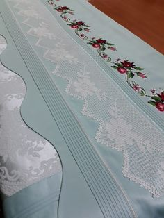 Loom Weaving, Bed Sheets, Table Runners, Diy And Crafts, Projects To Try, Embroidery, Lace, Home Decor, Sheets Bedding
