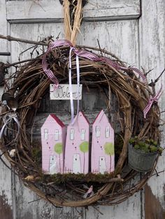 Großer Türkranz Craft Projects For Adults, Diy Projects, Easy Diy Crafts, Diy Crafts To Sell, Fall Wreaths, Door Wreaths, Christmas Deco, Christmas Wreaths, Easter Garland