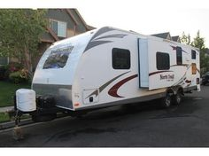 2012, Heartland RV North Trail 28BRS INTERIOR: Radius Counter Tops, Monitor Panel in Bathroom, Dual Ducted 13.5k btu A/C, AM/FM CD/DVD Player, LCD TV, Raised Panel Overhead Cabinets Doors, TV Antenna w/Booster. - See more at: http://www.rvregistry.com/used-rv/1002542.htm#sthash.U7dCUbjs.dpuf