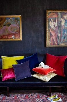 Cocooning coloré et mise en beauté grâce aux précieux textiles choisis