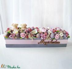 Babaköszöntő virágdoboz (Decoflor) - Meska.hu Minion, Crown, Corona, Minions, Crowns, Crown Royal Bags