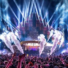 Electric Love Festival Stage #Stage #StageDesign #ELF19 #Throwback #250k Festival Looks, Stage Design, Salzburg, Electronic Music, Edm, Concert, Festivals, Party, Electric