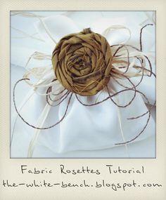 The White Bench: Tutorial: Frayed Rosettes and Bow. Shabby Chic Flowers, Burlap Flowers, Felt Flowers, Diy Flowers, Fabric Flowers, Paper Flowers, Fabric Rosette, Fabric Ribbon, Burlap Crafts