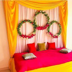 Desi Wedding Decor, Outdoor Wedding Decorations, Backdrop Decorations, Mehendi Decor Ideas, Mehndi Decor, Wedding House, Dream Wedding, Ganpati Decoration Design, Baby Shower Deco