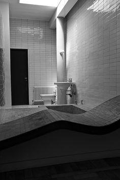 Villa Savoye    Villa Savoye - Le Corbusier & Pierre Jeanneret - Poissy - France - August 9 2011