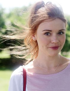 Find images and videos about teen wolf, holland roden and lydia martin on We Heart It - the app to get lost in what you love. Scott Mccall, Mtv, Lydia Banshee, Pretty People, Beautiful People, Lydia Martin Style, Freckles Girl, Female Character Inspiration, Strawberry Blonde