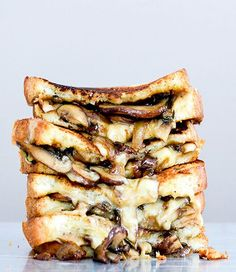 Mushroom, Onion and Stout Grilled Cheese Sandwiches | Pinterest: @annahpyra