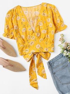Dandelion Print Knot Back Blouse Dandelion Print Knot Back BlouseFor Women-romwe The post Dandelion Print Knot Back Blouse appeared first on Belle Ouellette. Fashion 2020, 90s Fashion, Fashion Dresses, Trendy Outfits, Summer Outfits, Cute Outfits, Cute Rompers, Minimal Fashion, Romwe