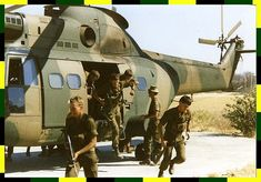 Military personnel of the defence forces of South Africa during the landing of the helicopter PUMA Once Were Warriors, South African Air Force, Army Day, Brothers In Arms, Defence Force, Troops, Soldiers, Military Personnel, Military Life