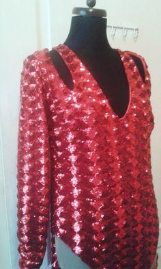 Projekt indywidualny czerwona suknia wieczorowa  projektant Gabriela Hezner