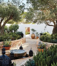 "The Mediterranean garden of designer Daniel Romualdez's Ibizan home embodies the casual yet polished vibe of the surrounding landscape. Devised by landscape designer the courtyard is Romualdez's favorite ""room"" in the house. Explore the full house Back Gardens, Outdoor Gardens, Outdoor Patios, Indoor Outdoor, Mediterranean Garden Design, Mediterranean Architecture, Moroccan Garden, Spanish Garden, Spanish Backyard"