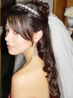 Beautiful Bridal Hairstyle with Veil by Flaunt Team in Hawaii