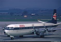 Dazzling Vintage Aircraft: The Major Attractions Of Air Festivals British European Airways, British Airline, Aircraft Images, Aircraft Pictures, Funny Vintage Photos, Old Planes, Passenger Aircraft, Air Festival, Air Photo