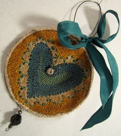 Beautiful use of color, copper-brown and teal is a lovely combination. Primitive Mixed Media Needlepunch Teal Heart by Gollywobbles Hook Punch, Rug Hooking Designs, Punch Needle Patterns, Wool Art, Penny Rugs, Heart Ornament, Wool Applique, Punch Art, Needle And Thread