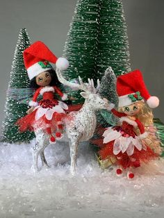 Christmas Tree Branches, Christmas Fairy, Miniature Christmas, Christmas Scenes, Christmas Toys, Christmas Projects, Christmas Decorations, Christmas Ornaments, Button Tree Art